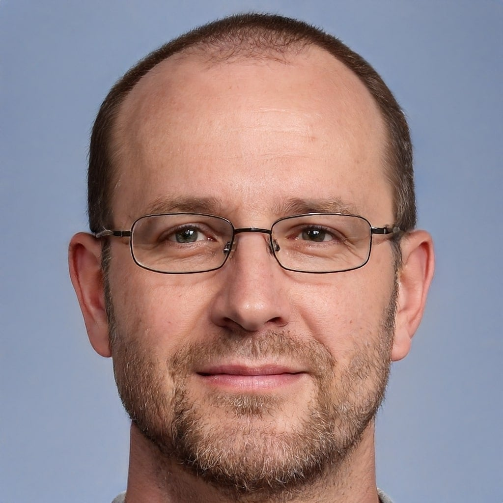 Daniel Velasquez (Chief-Editor)